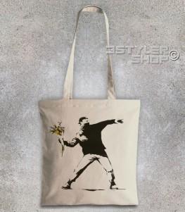 banksy shopper raffigurante l'opera il lanciatore di fiori
