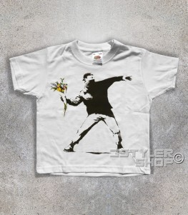 banksy t-shirt bimbo raffigurante l'opera il lanciatore di fiori
