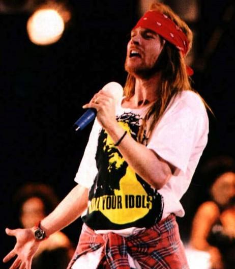 T-shirt indossata da axl rose durante il concerto freddie mercury tribute