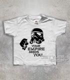 star wars t-shirt bambino raffigurante uno stormtrooper stilizzato e scritta your empire needs you