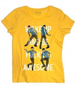 spock t-shirt donna ispirata al capitano di star treck, qui intento a ballare