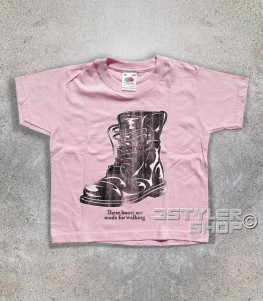 "boots t-shirt bimbo ispirata alla canzone di nancy Sinatra ""these boots are made for walkin'"""